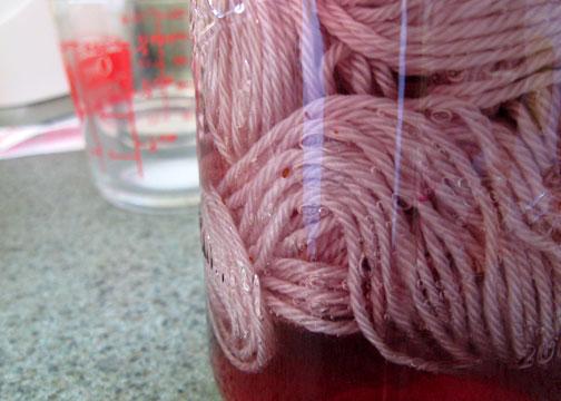 natural-dyed-yarn2